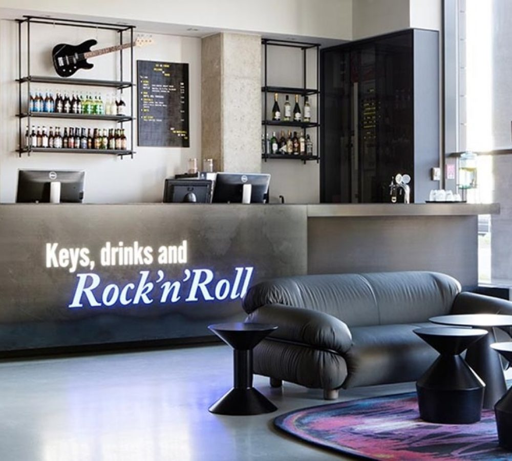 lobby-barception-comfort-hotel-lt