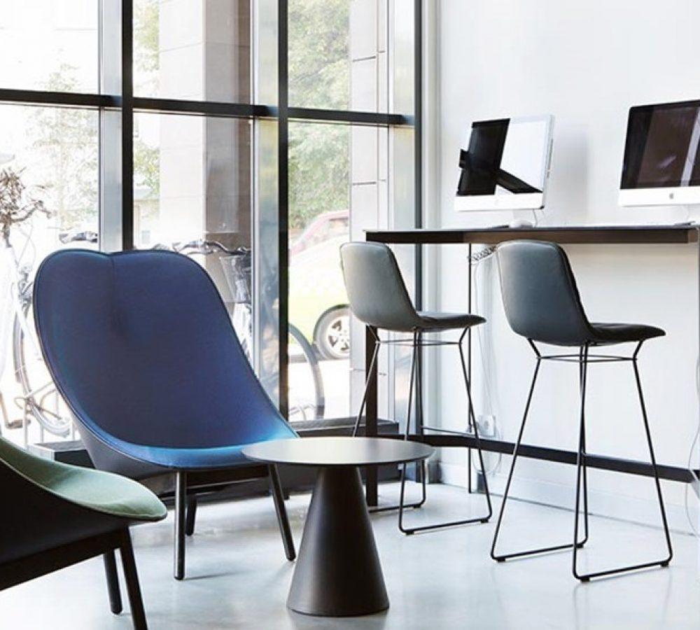 lobby-interior-computers-comfort-hotel-lt